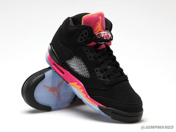 For the women of #TeamJordan, our AJ 5 Retro GS gets the 'Black/Bright Citrus – Fusion Pink' look this Saturday: http://t.co/vGvdVkgncD