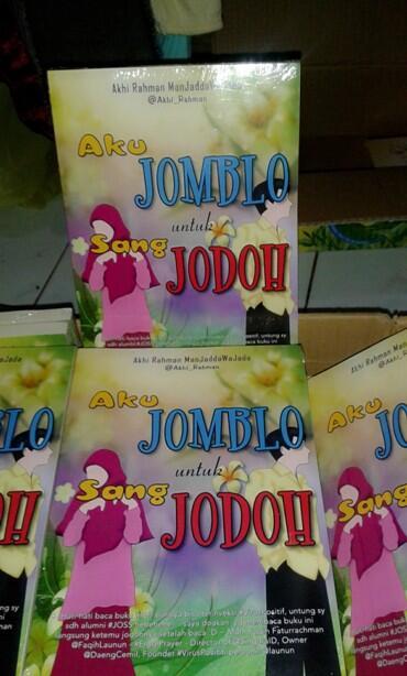 Buku 'Aku Jomblo Untuk Sang Jodoh' READY STOCK, ORDER NOW! ketik: AJUSJ#Nama#Alamat#Jumlah kirim ke: 08984456555 http://t.co/N6gcKRTdrw