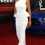 @SnoopDogg Michelle Rodriguez Gets HIGH With Fans At Fast & Furious 6 Premiere!! http://t.co/WfvMSgZMJg