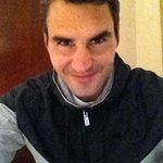 """@rogerfederer: A little (blue) bird told me that the place to be is @twitter, so here I am! http://t.co/9MN74IVlmR / grande Roger"