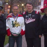 Getting ready to cheer on the Moose in Grand Parade. #gomoosego http://t.co/KP7ugfHLxY