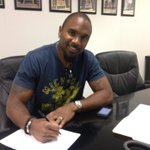 """@RAIDERS: The Oakland Raiders have signed free agent defensive back Charles Woodson. http://t.co/Uf7YJFqEEI"" Hes back!"