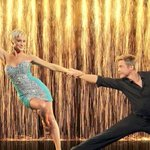 "Congratulations to Nashvilles @kelliepickler on winning Dancing With The Stars (@DancingABC)!! http://t.co/3mtLGKSVy7"" hugs Kell."