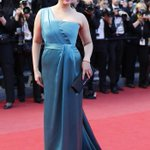 RT @moviesndtv: Pics: Pop goes Aishwarya at Cannes http://t.co/BaVRtWEXCd  Special Coverage http://t.co/DVxTyUb3So