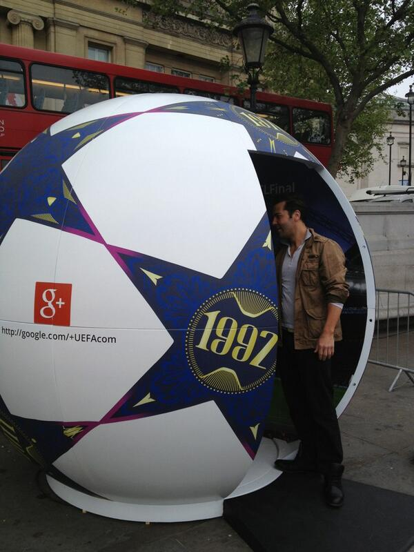 Have your photo taken in Trafalgar Sq with the famous Wembley arch in the background and share with your friends. http://t.co/lNadhy9KfO