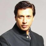 RT @ScreenIndia: Madhur Bhandarkar honoured in New York http://t.co/gz2alv7Gzq @mbhandarkar268 #entertainment