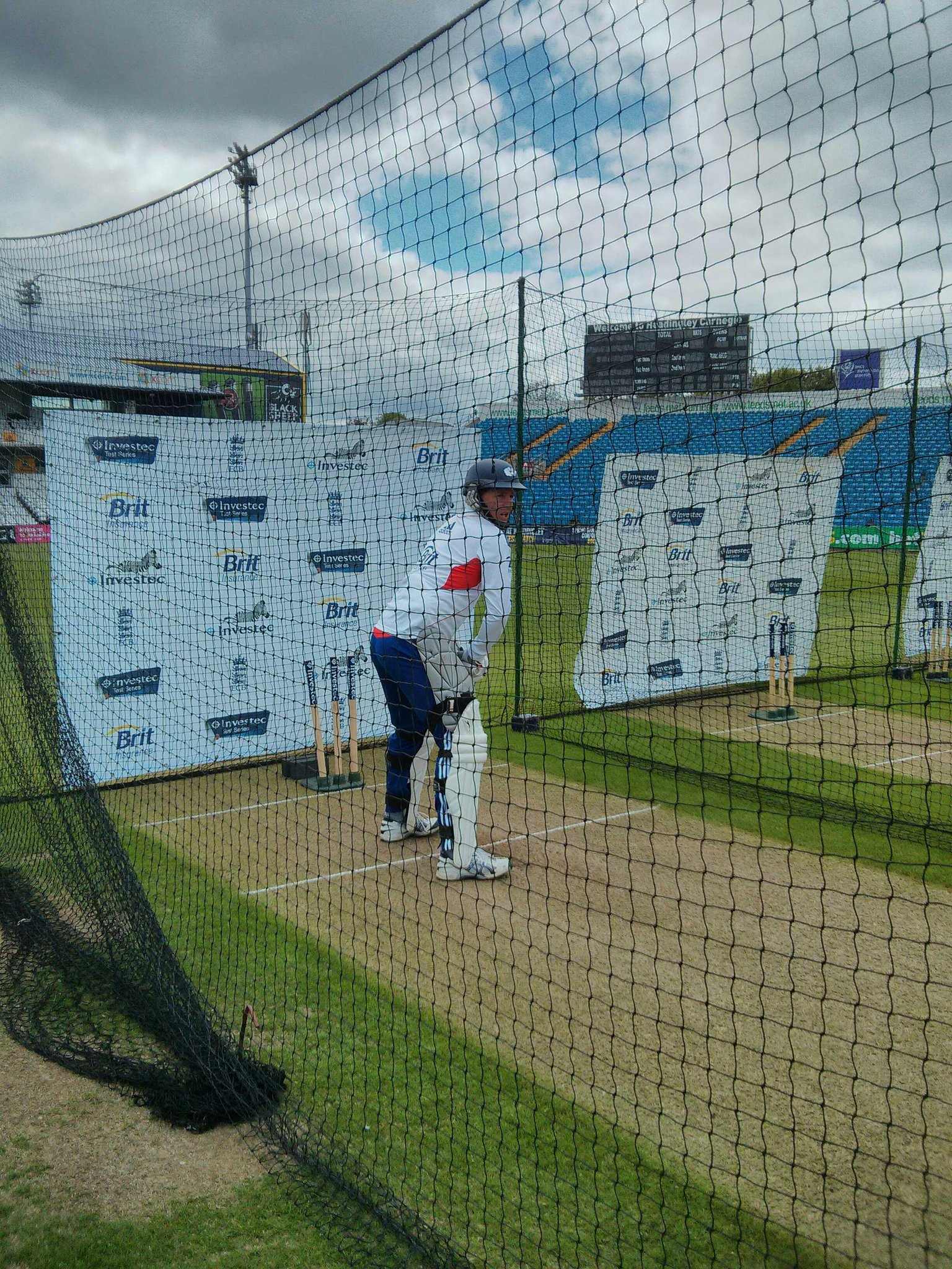 Gary Ballance will do some 1-2-1 batting with Graham Gooch. Yorks dominating England. Great talent. http://t.co/NoXtOuQzvj
