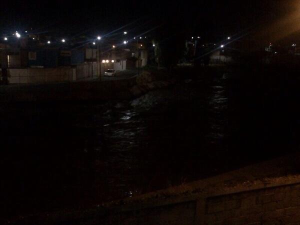 Patricia Gutiérrez (@Paty_GutierrezR): Río Alseseca, a la altura de La Margarita,  a medio metro de desbordarse, @Vertice102  vía @Emmanuel_CZ http://t.co/mYnho1n9be