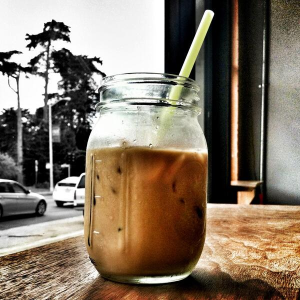 One of the steps to becoming a true hipster is having your coffee in a jar #sfstyle #hipsterlife http://t.co/cx9QlTR4HU