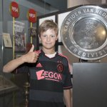 Drukte in de Official Ajax Fanshop op de eerste verkoopdag van het nieuwe uitshirt. http://t.co/n5TK5uitOE #groaja