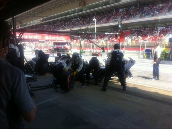 #BOTTAS managing his tyres well, pits for another set of new options #Barcelona http://t.co/5EMGRNp49m