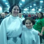 Mother and daughter classic Star Wars cosplay FTW!