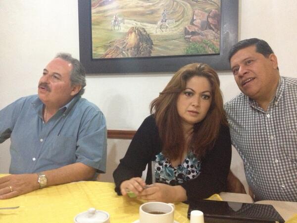Patricia Gutiérrez (@Paty_GutierrezR): Pide Violeta Lagunes a @tonygalifayad que se disculpe por incidente en la #UDLAP @Vertice102 http://t.co/DwBPqyTk5e