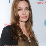 Angelina Jolie's Surgery: More Celebrities React On Twitter! http://t.co/JB6ZgzE1nv