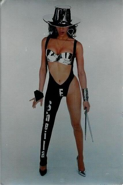 RT @DGK70: @peach_and_black 'now run and tell ur momma 'bout that!!' #Lovesexy #sheilaE http://t.co/Ps6bAPxD5h