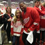 Shared the ice and Zamboni ride with Ms Victoria, celebrating her birthday today! #Redwings http://t.co/sgHX0kXOFj