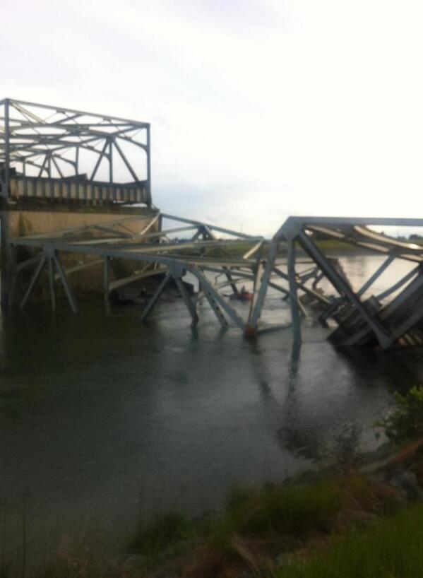 Another side of the bridge collapse north of Seattle MT @KHQBlakeJensen: http://t.co/Gv9d1BWBKr""