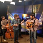 hey @Erik8Saxon  MT @MaureenOBoyle:  @TheNewFamiliars  in studio live next at 7!  http://t.co/bYMgxHiYNk