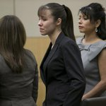 Heres how #JodiArias reacted to the hung jury sentencing. http://t.co/Ucpy5Yf24l via @DavidWallce