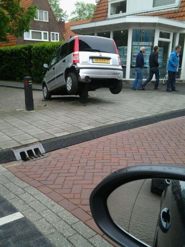 jannes mulder (@speakerJannes): Tja parkeerprobleem in Steenwijk http://t.co/7MdoJsqUOq