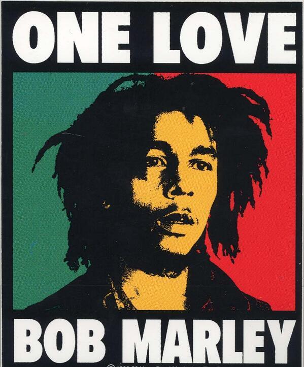 """""""Bob Marley""""  Dikubur bersamaan dengan Gitar #Gibson Merahnya, Al-Kitab, & se-puntung Marjiuana. #Reggae #TahuGakSih http://t.co/Mml0jOFHbj"""