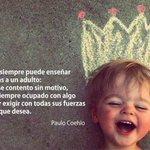 Un niño siempre puede enseñar tres cosas a un adulto: http://t.co/QV96ssipE2