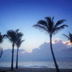 Good morning from the beach! RT @FtLauderdaleSun: Morning blue. http://t.co/wBO0ymIKMw #onefineday #gratitude