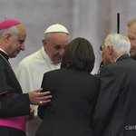 RT @DiaconoNelsinho: &quot;@cancaonova: Papa Francisco recebeu hoje em Roma Monsenhor Jonas, Eto e Luzia Santiago. http://t.co/rkyPOyVzZS&quot; Olha  que beno beno