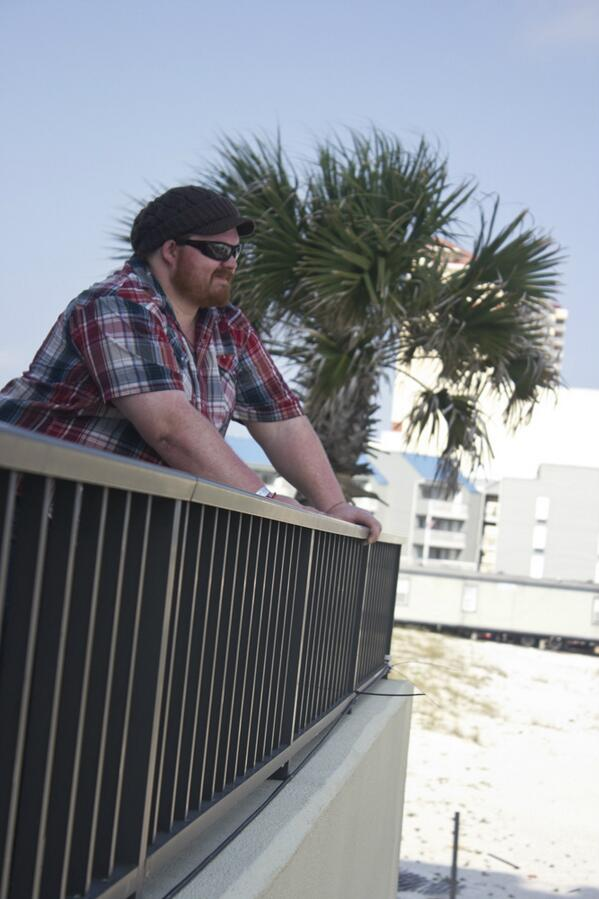 """#HangoutFest Coverage: Deren N., guitarist w/ @NickiBluhm & the Gramblers, """"I've been playing guitar since I was 10."""" http://t.co/0ehW2KYsUi"""