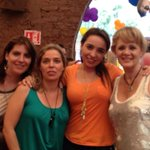 Amigas http://t.co/kVN75Ob8Ab