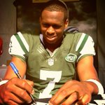 @ESPNNFL: FIRST LOOK: QB Geno Smith in his @NYJets uniform for the first time. --&gt; http://t.co/o0mAHiZM1h