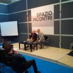 #salonePop @LucaBeatrice presenta suo ultimo libro #Sex edito da #rizzoli @SalonedelLibro @CircoloLettori #salTo13 http://t.co/6KNCdCPeD4