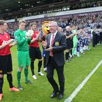great &quot;@ManUtd_PO: Exclusive photo - guard of honour for Sir Alex at WBA. Meanwhile,  3-0 to #MUFC. #thankyousiralex http://t.co/HMVpEgzgLL&quot;