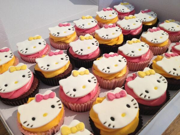 RT @jemisnorthern: Here are my #HelloKitty cupcakes I made for my cousins birthday tomorrow @mycakedeco http://t.co/nLPFfc8Y6L