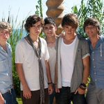 #fave1Dmemories       Torn. http://t.co/JYgBdpGO16