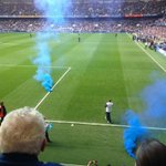RT @Awaydays23: Everton fans launching smoke bombs onto the pitch at Chelsea today #EFC #Evertonfc http://t.co/KNxvBLQGLf