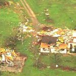 RT @BBCNewsUS: Tornado sweeping across US state of Oklahoma flattens houses in Wellston