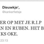 @GraziPelleFans: Dit is bizar. Dit is een ziekte.. http://t.co/7IjV71OdkVeigenlijk heeft hij wel gelijk, als het hem niet boeit