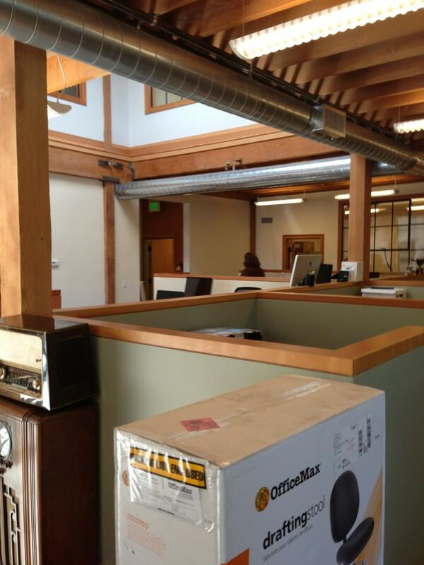 Firs day in the new @inmannews office! #emeryville http://t.co/FIrE8G385y