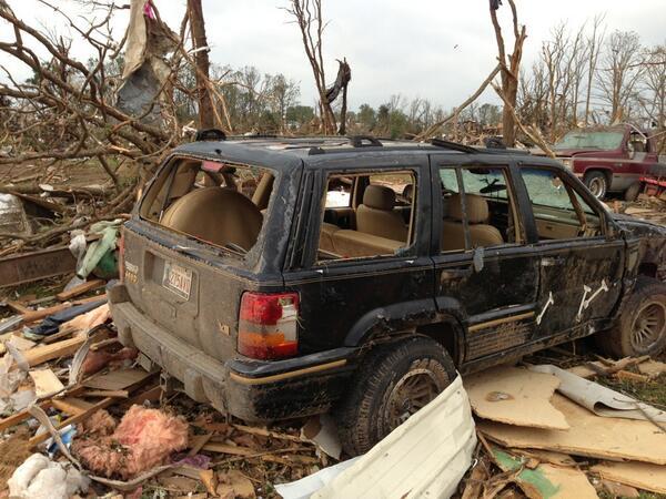 EF-4...  NWS preliminary rating of #shawnee tornado. http://t.co/1FS41o5WHG