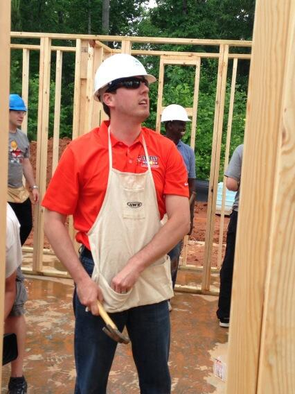 RT @MartySmithESPN: Super cool of @KyleBusch and the No. 18 bunch to build a house in CLT for @HFHCLT. http://t.co/O8XsMuRgPa