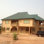 @Mark_Rozay: Fathers house in naija... Things the BBC wont show you http://t.co/z8Q7a0xeTw Stunning. 