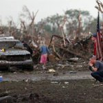 90 dead as massive tornado roars through US suburb | http://t.co/4QpuW5jWe0 --