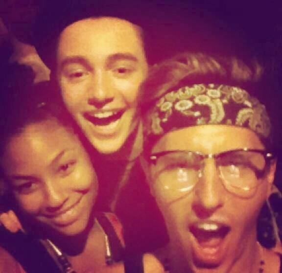 PHOTO - Greyson Chance having fun in Bali with friends! - #PartyTimeMaybe - http://t.co/bWiaUu5Vda