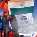 Indias Arunima Sinha became the first woman amputee (she has a prosthetic leg) to climb mt everest at 10:55am today http://t.co/3pwmE9nU55""