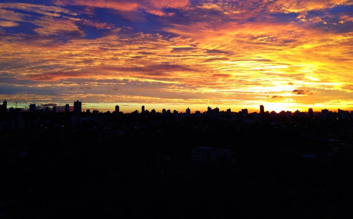 Até o por do sol fica mais bonito com a temperatura mais amena em Gyn http://t.co/03NhwHxHVn