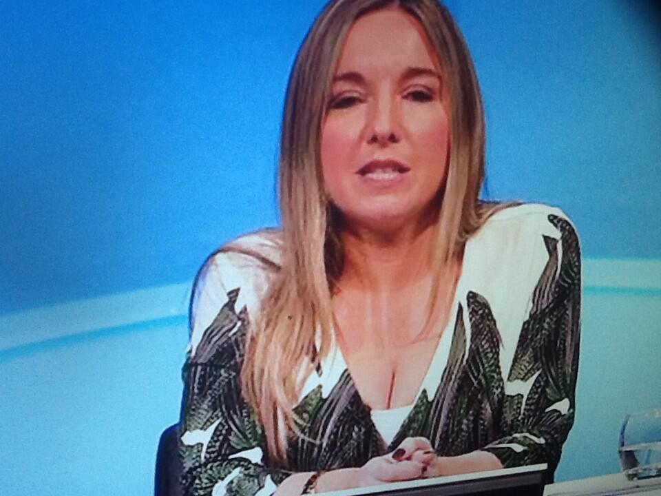 @UKTVMILFS Victoria Coren showing some cleavage on Only Connect! Has great tits! http://t.co/Cu6dL2taoD