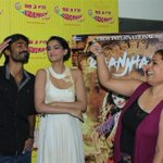 .@rjprackriti seems to be liking the dance step @dhanushkraja is doing @sonamakapoor trying to get the step! http://t.co/yvscm0yx87
