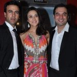 Premiere of @realpreityzinta's Ishkq in Paris. - http://t.co/6A8Jg9UP3J ::