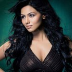 Police hunt for Sana Khan !  http://t.co/pkPf4xXMl7